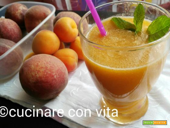 Succo di albicocche home-made