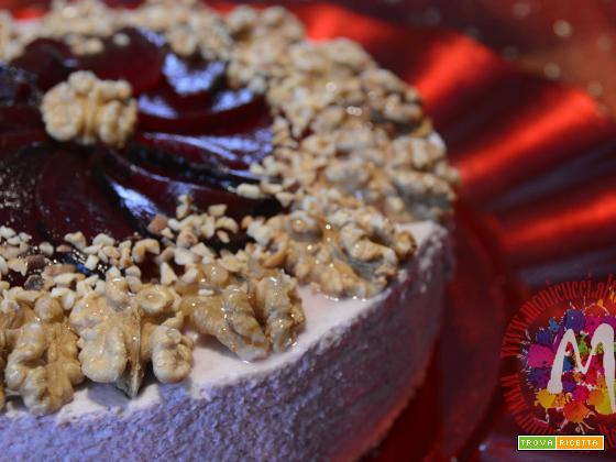 Cheesecake salata di cavolo viola, noci e barbabietole