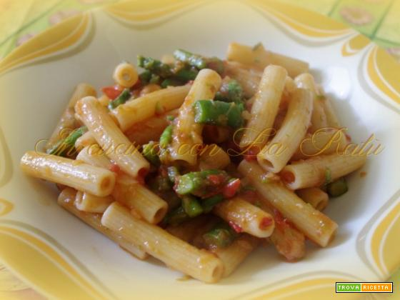 Pasta con le punte di asparagi