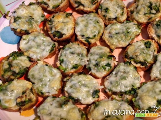 Crostini di zucchine.. infornati e subito mangiati