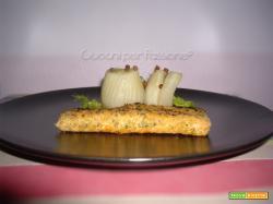 Salmone Croccante con Finocchi al Pepe Rosa