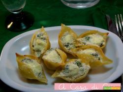 Conchiglioni ripieni di ricotta e broccoli siciliani