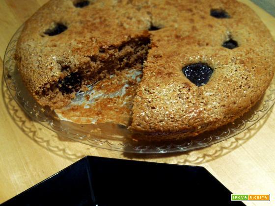torta con farina di castagne e prugne secche