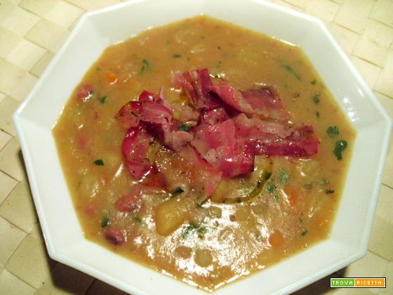 zuppa vellutata di patate, fagioli e porri…con aggiunta di pancetta