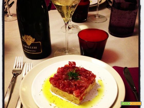 Kus Kus vegetariano e tartare di tonno con Franciacorta Pas Dosé