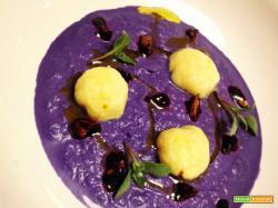 Gnocchi di patate su crema di crauto rosso con Bersi Serlini Franciacorta Satèn