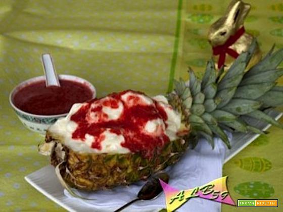 Sorbetto di ananas con salsa di fragole
