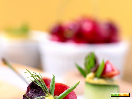 Finger Food Agrodolci di Cetrioli, Mango e Ciliegie