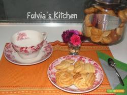 Frolle montate con cocco e zucchero di canna