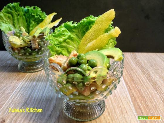 Insalata di pesce spada con avocado, piselli e scorzette di limone