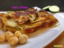 Lasagne di pane guttiau con speck, zucchine e mozzarella