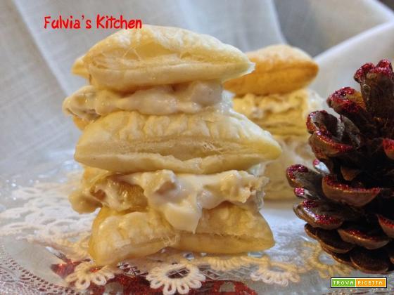 Mini millefoglie con gorgonzola, ricotta e noci