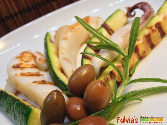 Ricetta light: Insalata di seppie e zucchine grigliate con olive taggiasche