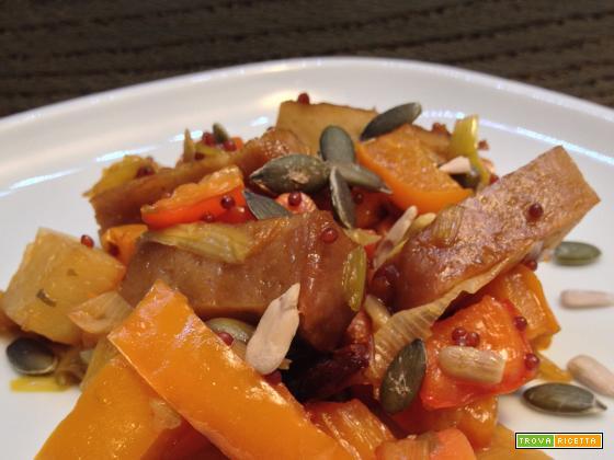 Spezzatino vegano di seitan con verdure alla senape nera