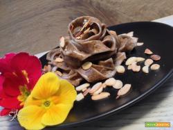 Tagliatelle al caffè con gorgonzola, mascarpone e mandorle tostate – Waffee