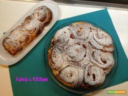 Torta di rose con crema pasticcera e fragole