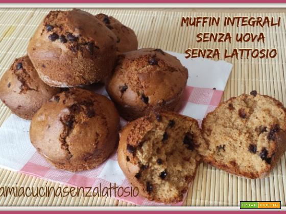 Muffin integrali con gocce di cioccolato senza uova senza lattosio