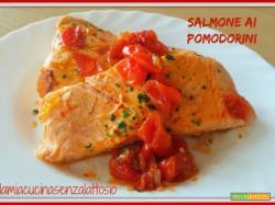 Salmone ai pomodorini in padella