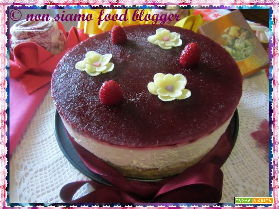 Cheesecake senza cottura ai lamponi e cioccolato bianco