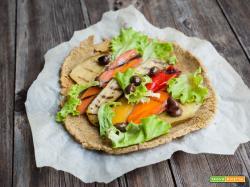 pizza di teff con verdure grigliate