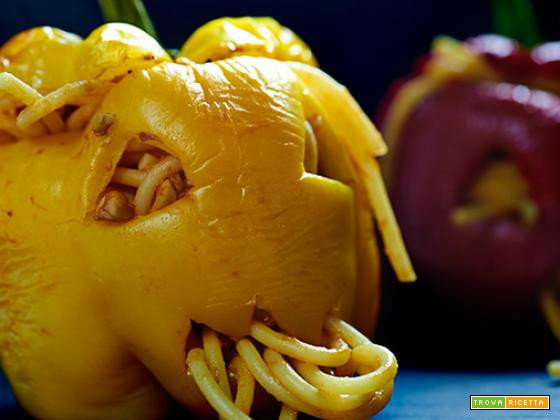spaghetti con tempeh e peperone