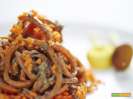 spaghetti di carota in salsa ai funghi