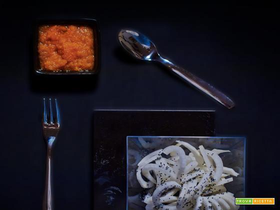 tagliatelle daikon, carota e semi di papavero