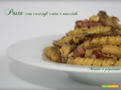 Pasta con carciofi cotto e nocciole
