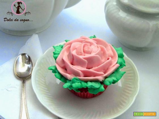 Cupcake con rosa al frosting