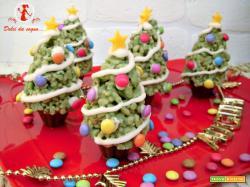 Alberelli di Natale fatti di cereali