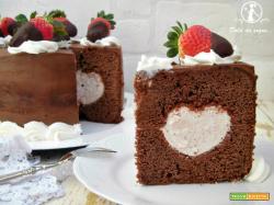 Torta al cioccolato cuor di fragola