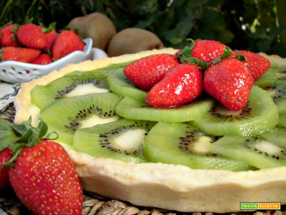 Crostata di kiwi e fragole