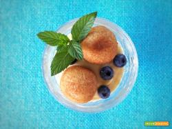 Polpette dolci di cuscus con crema alla cannella