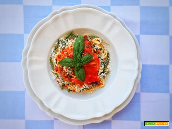 Spaghetti con fagiolini, pomodoro fresco e cacioricotta