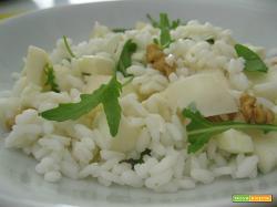 Insalata di riso formaggio pere e noci