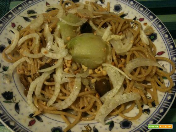 Spaghetti finocchi e nocciole | cucinare con il cuore