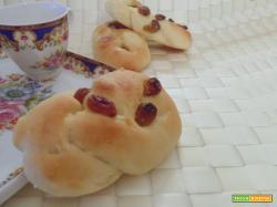 Treccia con uvetta-ricetta dolce