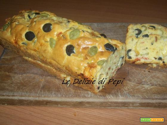 Plum-cake salato alle olive