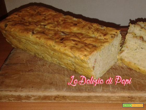 Plum cake salato con zucchine e olive