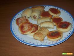 Rustici e pizzette con pasta sfoglia