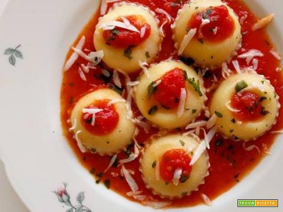 Ravioli di mozzarella, stracciatella e ricotta di Bufala