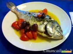 Orata con olive e pomodorini