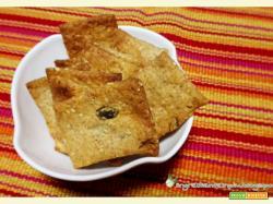 Crackers integrali al vino bianco con semi di sesamo, semi di zucca e pop-corn di amaranto
