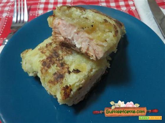 Salmone crosta di patate