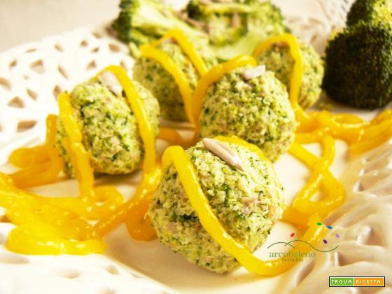 Polpette crude a base di Broccoli e Semi di Girasoli con guarnizione di crema all'arancia in agrodolce