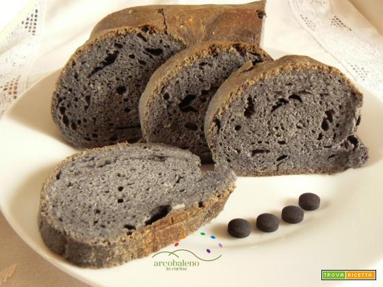 Come fare il Pane Nero con il Carbone Vegetale!