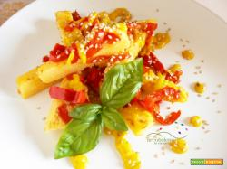 Finta frittata con Farina di Mais, Peperone Rosso e guarnizione con crema a base di Peperone Giallo al profumo di Basilico e Sesamo Tostato