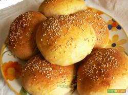 Morbidi panini per Hamburger Vegetariani con Latte di Soia e Pasta Madre