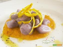 Biodiversità a portata di mano: Gnocchetti di Patata Viola con crema di Carota al profumo di Cedro