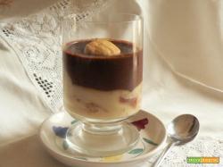 Dolce Bianco/Nero con crema Veg e crema al cioccolato Veg e frollini senza Uova, senza Burro speziati alla Cannella-Arancia!